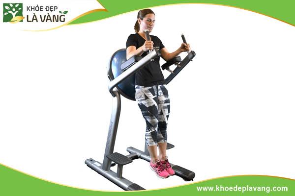 Roman-chair-leg-raise-giup-tang-chieu-cao