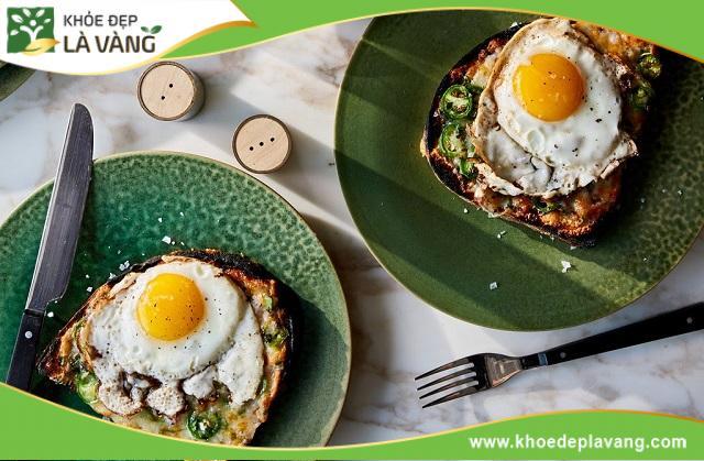 Trứng là thực phẩm rất giàu protein, bạn có thể thêm trứng vào bữa ăn hàng ngày