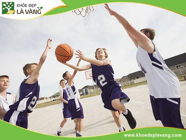 Chơi bóng rổ có giúp tăng chiều cao hay không?