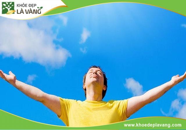 Tắm nắng là một cách để cơ thể sản sinh vitamin D cần cho sự phát triển của xương